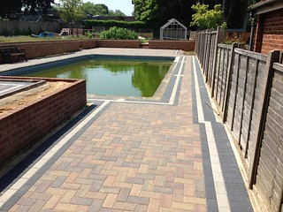 16235945400 74f011aa6d n Patio Paving