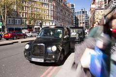 London taxi driver (filippo.bassato) Tags: city uk trip england london canon taxi harrods driver passenger londra filippobassato