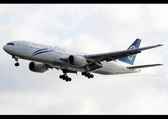 Boeing | 777-219/ER | Air New Zealand | ZK-OKF | Hong Kong | HKG | VHHH (Christian Junker | Photography) Tags: china newzealand plane hongkong airport nikon asia aircraft aviation landing airline nz boeing arrival nikkor dslr heavy hkg airnewzealand sar lantau d800 anz clk 70200mm widebody planespotting 575 cheklapkok b777 staralliance hkia triple7 hongkonginternationalairport hongkongphotos 34378 vhhh zkokf flickraward 25r b777200er zensational worldtrekker b77e b777219er b772er flickrtravelaward 34378575 superflickers d800e christianjunker newzealand087 nz087 anz087 avsecobuilding
