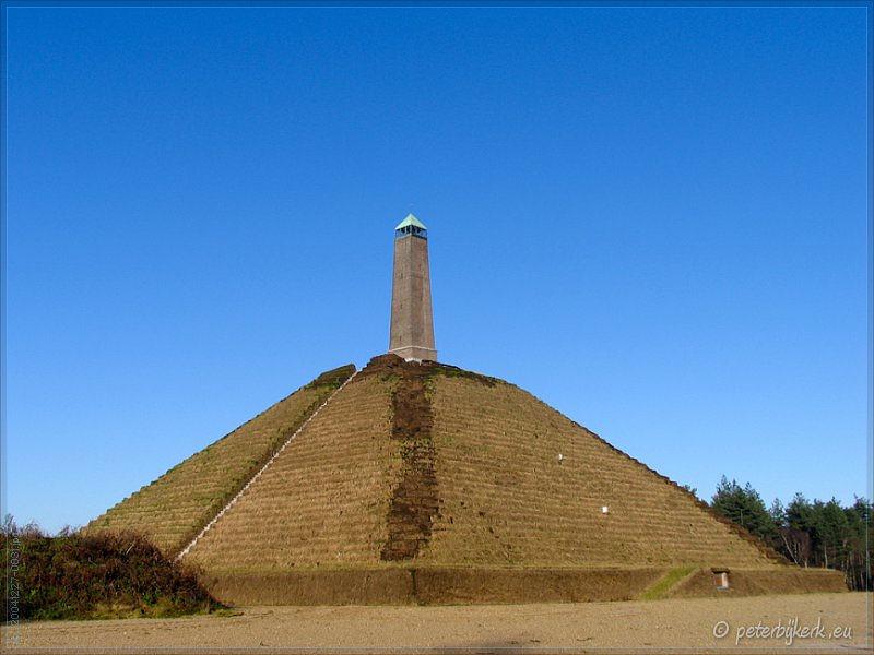 Kim tự tháp.