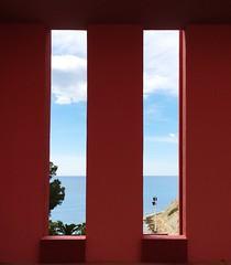 Contradiccin (Quili PT) Tags: red mar arquitectura mediterrneo arquitecture calpe ricardobofill