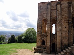 """Santa M del Naranco, Oviedo, Espaa """"NWN"""" (Caty V. mazarias antoranz) Tags: asturias unesco oviedo nwn romnico santamaradelnaranco montenaranco patrimoniodelaunesco"""