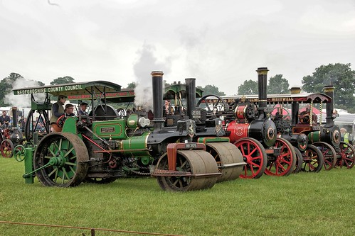UK, Woolpit Steam Rally, Lineup HDR