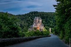 Burg Eltz (DE) (Henk Verheyen) Tags: de burgeltz bluehour avond lente buiten burg duitsland schemering burcht blauweuurtje