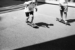 sorry I cut your head (gato-gato-gato) Tags: street leica bw white black classic film blanco monochrome analog 35mm person schweiz switzerland flickr noir suisse strasse zurich negro streetphotography pedestrian rangefinder human streetphoto mp manual monochrom zrich svizzera weiss zuerich blanc ilford m6 manualfocus analogphotography schwarz ch wetzlar onthestreets passant mensch sviss leicam6 zwitserland isvire zurigo filmphotography streetphotographer homedeveloped fussgnger manualmode zueri leicamp strase filmisnotdead streetpic messsucher manuellerfokus gatogatogato fusgnger leicasummiluxm35mmf14 mechanicalperfection gatogatogatoch wwwgatogatogatoch streettogs believeinfilm tobiasgaulkech