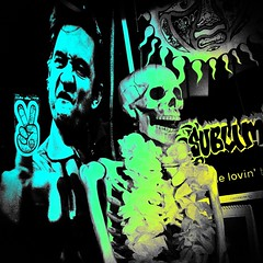 The message remains the same (Dom Guillochon) Tags: life skeleton death message middlefinger surreal same johnnycash peacesign