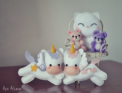 Pink and Lilac ♥ (Açu Aizawa) Tags: bear cat handmade kitty felt teddybear neko needlefelting unicorn mascots feltwool