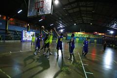 TUCAPEL VS WOLF__48 (loespejo.municipalidad) Tags: chile santiago miguel azul noche amarillo bruna silva deportes jovenes balon rm adultos alcalde competencia basquetbol loespejo