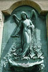 Verdigris angel (Monceau) Tags: prelachaise cemetery paris charming verdigris angel haut relief sculpture