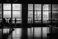 Pars a traves del cristal...   Paris through the glass... (maf.mendoza) Tags: blackandwhite bw paris france tower blancoynegro window ventana nikon torre eiffeltower eiffel lookout bn torreeiffel nikkor montparnasse francia mirador nikond7200 nikkorafsdx1680mmf284eedvr