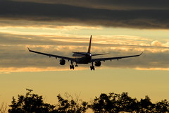 B-6091 (Greczula Levente) Tags: sunset a330 airbusa330 airchina b6091 tamron103a