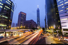 Rush Hour (olvwu | ) Tags: road city longexposure light skyline night landscape cityscape traffic dusk trace taiwan taipei rushhour taipei101  metropolitan taipeicity   xinyi shoppingdistrict 101 xinyidistrict lighttrace jungpangwu oliverwu oliverjpwu 101 olvwu taipei101tower   taipei101skyscraper   jungpang