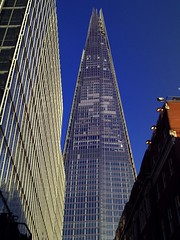 The Shard, London Bridge, lots of floors to fill (Cybermyth13) Tags: city uk bridge england urban building london tower glass architecture modern skyscraper giant concrete crane finger angles progress latest constuction shard renzopiano southwark urbanrenewal se1 londonist shardofglass