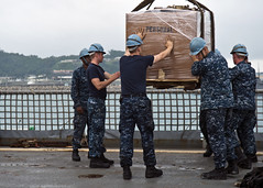 130511-N-IY633-225 (SurfaceWarriors) Tags: japan okinawa whitebeach