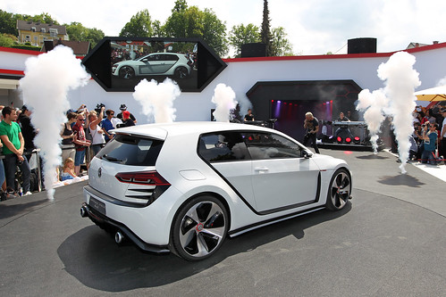 VW Unveils 503-hp Design Vision GTI Concept Car