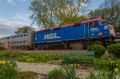 Metra and the garden (photo-engraver1) Tags: railroad wisconsin train transportation locomotive metra kenosha 140 bilevel f40ph3