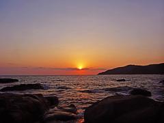 Palolem Sunset (jonhuskisson) Tags: travel sunset sea india beach sunrise asia goa backpacking palolem