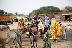 Humanitarian crisis in El Sereif (UNAMID Photo) Tags: sudan rwanda tribes reconciliation fighting darfur troops arabs displacement goldmine idp northdarfur internallydisplacedpersons unamid tribalclashes massdisplacement elsereif