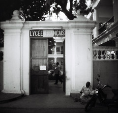 Lyce Franais  Pondicherry (Julien Mailler) Tags: world street travel school people india white black asian julien lomo lomography asia indian mini diana national asie indien franais geographic inde pondicherry asiatique lyce reflectionsoflife lovelyphotos jules1405 unseenasia earthasia mailler