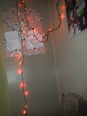(loulabell-e) Tags: lighting red cute vintage photography lights bedroom pretty girly room decoration fairylights