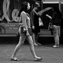 street people urban bw holland blancoynegro girl... (Photo: Akbar Simonse on Flickr)