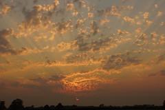 sunburst sunset (Ivor_Mills) Tags: york sunset sun ray yorkshire north bugthorpe garrowby cloudsstormssunsetssunrises