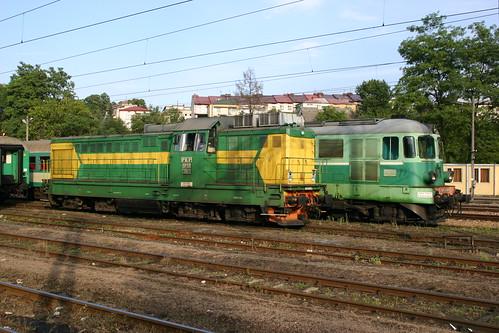PKP SP32 201 & ST43 389, Jaslo, 12-08-06