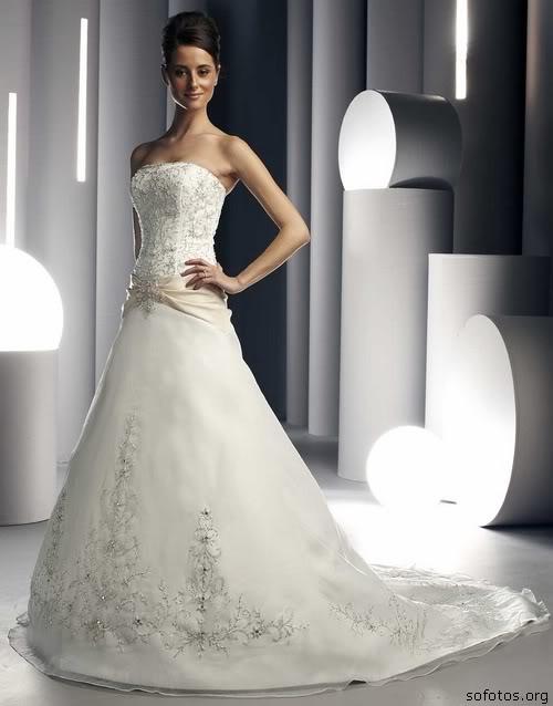 Vestido de noiva tomara que caia bonito