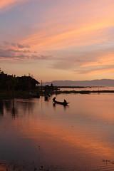 Inle Lake sunsets (10b travelling) Tags: sunset lake water boat asia asien southeastasia burma myanmar inlelake inle asie southeast shan birma indochine freshwater shanstate birmanie taunggyi 2011 nyaungshwe  carstentenbrink iptcbasic