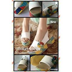 รองเท้าส้นเตี้ยพร้อมส่ง ไซส์35ราคา1050บาท แฟชั่นเกาหลี นำเข้าสวยมาก ถ่ายสินค้าจริงไม่แต่งรูป ร้านโลตัสโนสส สนใจโทรสั่งที่083-1797221 www.lotusnoss.com, line ID:lotusnoss #sandal shoes #รองเท้าส้นเตี้ย