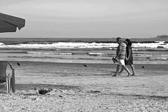 IMG_9947 (Vinicius Ribeiro Fotografia) Tags: ocean brazil people guy praia beach brasil canon 350d rebel xt 50mm mar model sand pessoas areia férias garoto 55mm bikini 1855mm f56 ml litoral yashica guarujá oculos 18mm f35 f17 5017 f3556 vacatioion