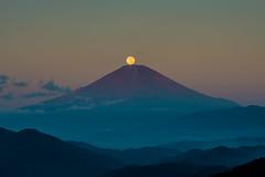 Pearl Fuji (shinichiro*) Tags: japan night sunrise fuji cloudy fullmoon  nightview harvestmoon crazyshin   2013 before6  afsnikkor70200mmf28ged order500 nikond800e pearlfuji harvestmoon2013 20130920d036134