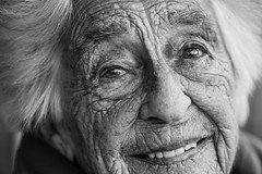 The happy eyes of the passing of time (Giulio Magnifico) Tags: portrait smile lady happy eyes time streetportrait soul elder alder udine nikond800e nikkormicro105mmafsvrf28