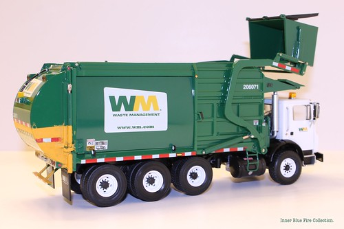 First Gear 1 34 Scale Cast Collectible Waste Management K Terrapro With Wittke Front Loader