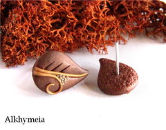 Leaves Obsession N2, stud earrings (Alkhymeia) Tags: autumn light brown green art fall nature earings leaves spiral leaf al natural artistic handmade spirals unique ooak magic artesanal deep craft jewelry bijoux pasta jewellery polymerclay fimo fairy fantasy clay wicked gift copper handcrafted lobo swirl earrings wearable ideas magical emerald stud enchanted whimsical handcraft jewel artesania wiccan elvish pendientes polymer premo bijouterie arcilla argilla artigianato orecchini incantato artigianale polimer bizuteria sintetica polimerica perno arcillapolimerica fatato studearrings pastasintetica polimerkil fatati incantati alkhymeia elfici