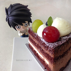 Just L Being L (CafeGalileo) Tags: anime cake toy manga figure l figures deathnote lawliet llawliet nendoroid