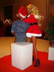 Sexy Santa (Deejay Bafaroy) Tags: santa christmas xmas red jason black rot weihnachten toys doll dolls power dress barbie weihnachtsmann blond blonde reid santaclaus wu staying nikolaus fr schwarz weihnacht homme puppe puppen integrity rupaul darius kleid fashionroyalty aadolls