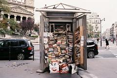 j'ai délocalisé une partie de ma bibliothèque (lepublicnme) Tags: november paris france film analog fuji minolta superia books 400 livres bibliotheque argentique 2013 7000i