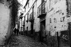 (Sonia Montes) Tags: street blackandwhite bw black byn blancoynegro canon streetphotography granada calles