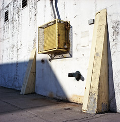 (andre dos santos) Tags: new york city nyc newyorkcity newyork 120 6x6 tlr film rollei rolleiflex zeiss square lens point reflex kodak bronx twin negative medium format thebronx portra planar twinlensreflex 160 hunts c41 portra160 huntspoint