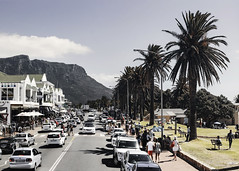 CampsBay Walk (A n d r  K a r a c h o) Tags: street people cars palms landscape traffic outdoor campsbay tafelberg kapstadt