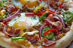 What more could you want for brunch than a breakfast pizza topped off with FARMER JOHN Classic Bacon? Okay maybe a Bacon Bloody Mary! (farmerjohnla) Tags: breakfast la bacon pizza brunch bae farmerjohn breakfastpizza baconpizza thebaconparty farmerjohnla