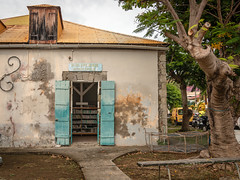 Bibliothque - Les Saintes - [Guadeloupe] (old.jhack) Tags: france caribbean guadeloupe antilles lessaintes carabes bibliothquemunicipale sigma1750mmf28