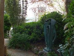 Barbara Hepworth Museum. Sculpure Garden (Pippa Robins) Tags: cornwall stives barbarahepworth gardensculpturemodelformeridian barbarahepworthmuseumsculpturegardensculpturemodelformeridian