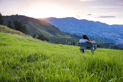 Cae el atardecer (tufotosis) Tags: sunset atardecer am colombia pareja fin antioquia nachmittag daprsmidi suramrica sabaneta spten