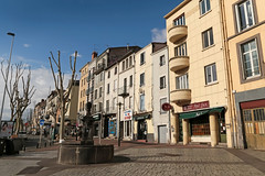 Boulevard Trudaine - Clermont-Ferrand (France) (Meteorry) Tags: street trees france fountain facade europe faades arbres april archers rue fontaine auvergne clermont puydedme clermontferrand 2016 meteorry delille trudaine placedelille ruedesarchers auvergnerhnealpes courssablon boulevardtrudaine
