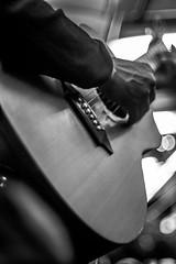 Bluesman Ligne 2 (::nicolas ferrand simonnot::) Tags: street light music white black paris zeiss vintage lens photography 50mm prime metro bokeh guitar jena mount mc german carl manual lead praktica   2016 prakticar ƒ14