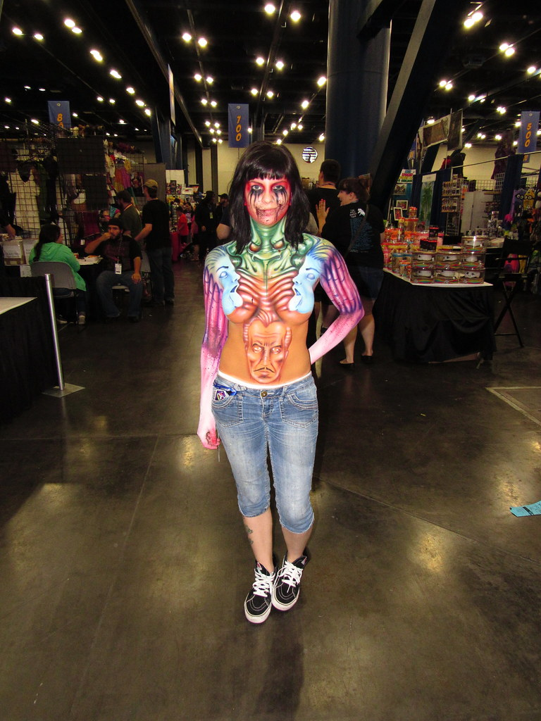 The world 39 s best photos of bodypaint and comic flickr for Comic con body paint