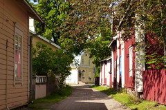 Gamla Malmen i Pargas (evisdotter) Tags: street old houses summer colors finland gata pargas parainen sooc gamlamalmen vanhamalmi