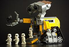 Wall-e stormtrooper conveyor belt (Jezbags) Tags: black macro canon star starwars lego stormtroopers 100mm stormtrooper ren wars macrophotography walle 60d canon60d kylo macrolego macrodreams kyloren